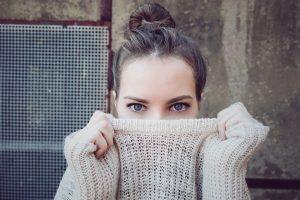Zafír barátcserje hatásai változókorban és PMS esetén